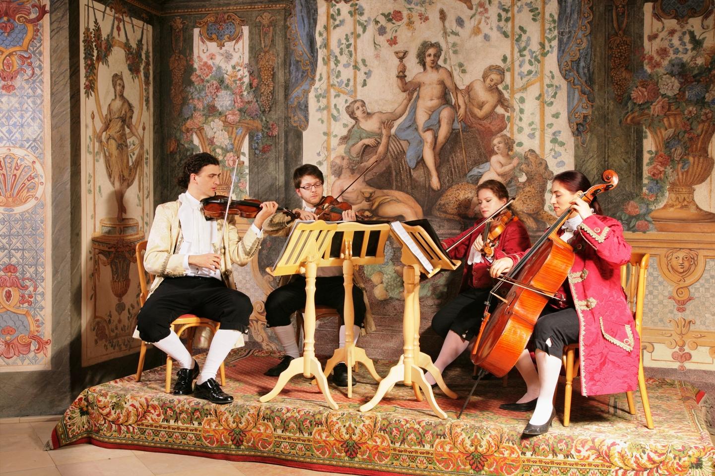 Mozart Ensemble im historischen Ambiente im ersten Mozarthaus in Wien