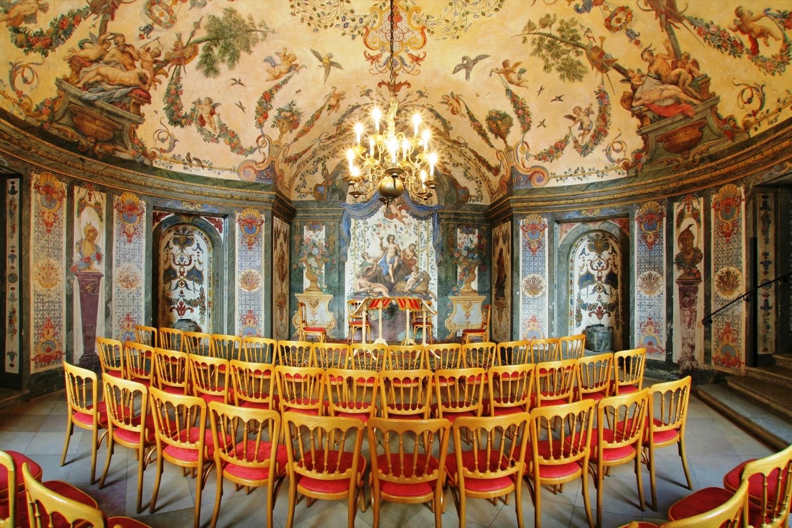 Sala Terrena with beautiful frescos