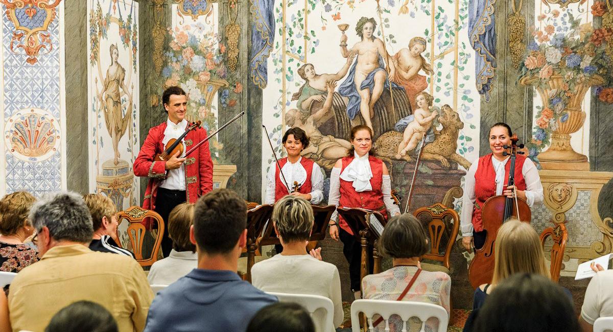 Mozart-Ensemble-nach-Vorstellung